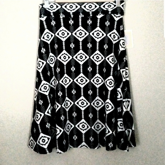 NWT Super soft LulaRoe Azure Skirt